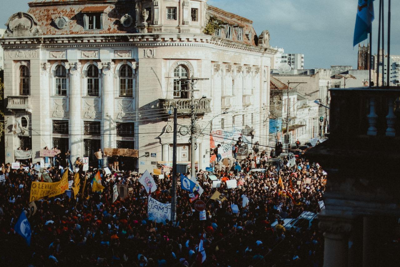 8ef96f998b22 ... da Educação em Pelotas. Previous Next · View Larger Image